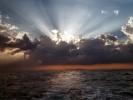 Sonnenuntergang auf der Rückfahrt von den Similans