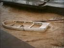 Eigentlich liegt das Boot am Ufer...