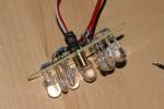 3) Jetzt kommt das Lasermodul dazu. Vorwiderstand für die Laser-LED nicht vergessen!